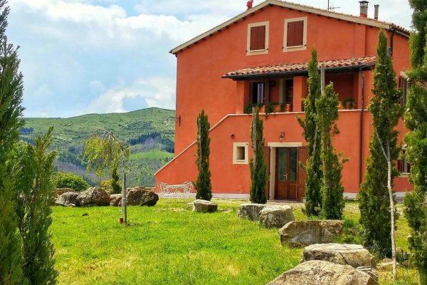 Abbadia San Salvatore – Villa con ampio giardino