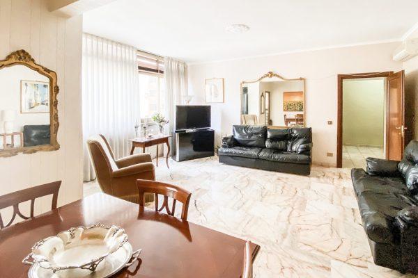 San Paolo/Largo Antonelli.Grande appartamento 4° piano