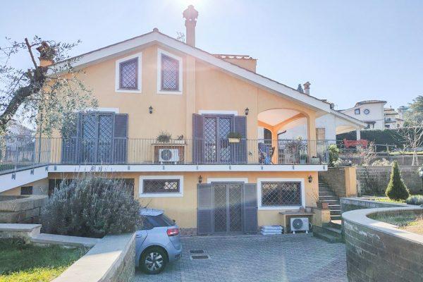 Sacrofano – Via Dei Gerani Villa Indipendente 250 mq