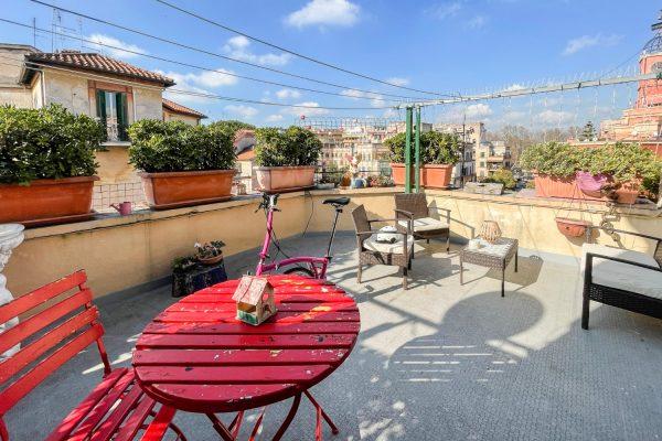 Garbatella – esclusivo appartamento con 3 terrazzi